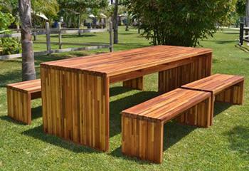 Charmant Maynard Modern Redwood Patio Table
