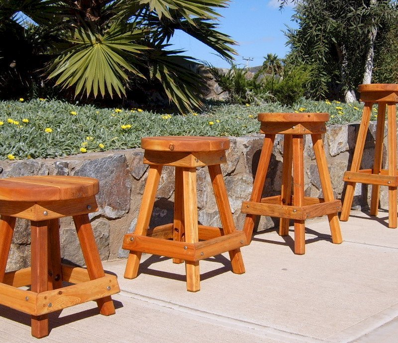 "4 Backless Bar Stool Standard Sizes Available: (Options: 19"", 24"", 29"" and 36"" H, California Redwood, Round 15"" Diameter Seat, 4 Legs, No Engraving, Transparent Premium Sealant)"