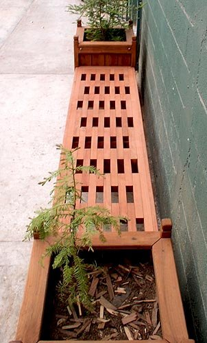 "Bench and Planters Combo (Options: 7 ft Bench Length, 24"" L x 24"" D x 24"" H Planter Size, Douglas-fir, Lighthouse Bench Style, 14 inches Bench Height, 17 3/4 inches Bench Width, No Engraving, Mendocino Planter Style, With Feet, No Growing Vegetables, Transparent Premium Sealant)."