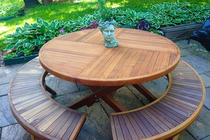 Karyn's Redwood Round Folding Picnic Table