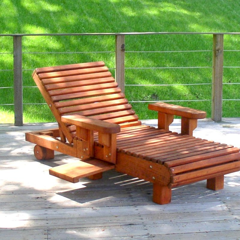 "La Grange Lounger (Options: Single, Mature Redwood, Snack Tray on Rigth Side, 13"" H, Wheels, 4"" Thick Cushion, 2 section cushion,Transparent Premium Sealant). Photo Courtesy of Susan and Igor B. of Napa, CA"
