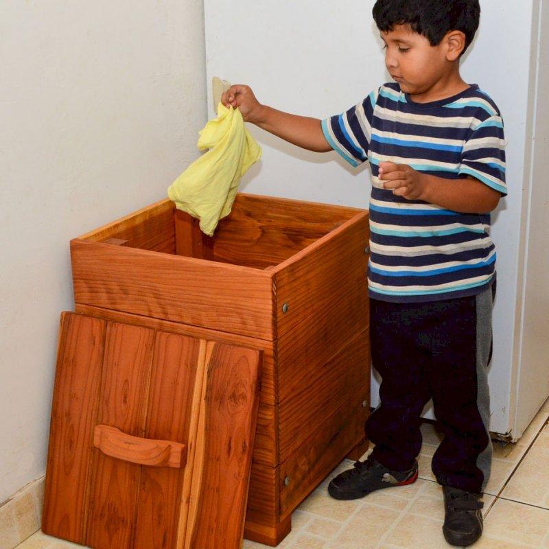 """Laundry Hamper (Options: 18"""" W, 18"""" L, 24"""" H, California Redwood, Unattached Lid to Hamper, No Ventilation, No Casters, Transparent Premium Sealant)"""