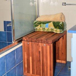 "Maynard Wood Shower Bench (Options: 2 1/2 ft x 15 1/2"" H x 16"" W, Mature Redwood, Transparent Premium Sealant)."