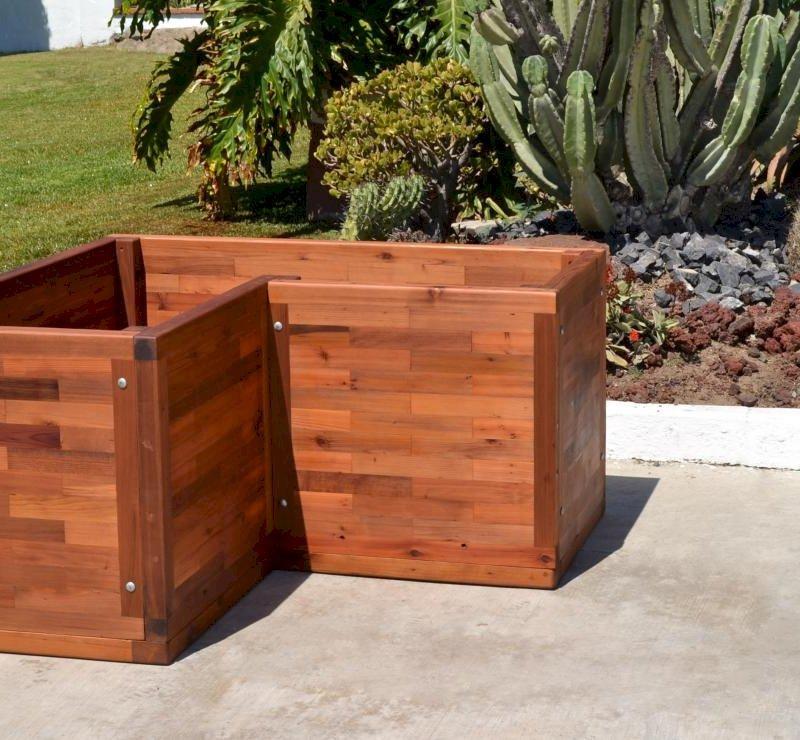 Custom V-Shaped Parquet Planter (Options: 48in L x 24in W x 24in H, Mature Redwood, Feet, No Trellis, No Growing Vegetables, Transparent Premium Sealant).