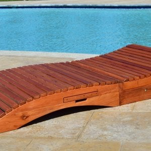"Penny Wooden Sun Lounger (Options: Honeymoon, Mature Redwood, Extra Large 78 inches, No Armrests, Snack Trays on Left Side, 13"" H, Wheels, No Cushion,Transparent Premium Sealant)."