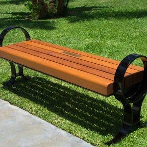 Pete's Bench (Options: 5ft Length, Douglas, No Engraving, Transparent Premium Sealant). Plaque was provided per customer.