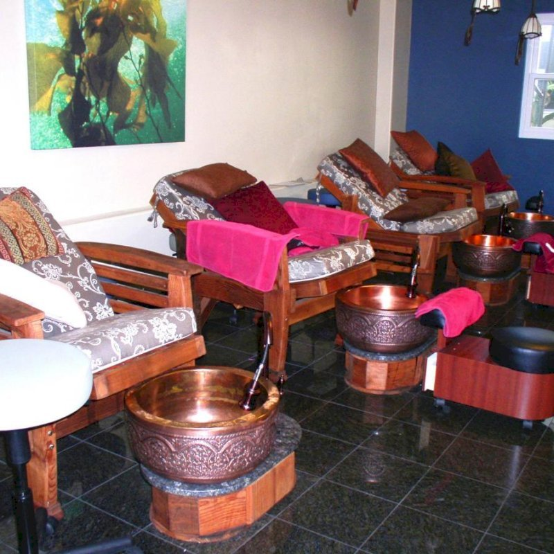 """Reclining Easychairs (Options: Old-Growth Redwood, Custom 4"""" Thick Cushions, Transparent Premium Sealant) - fully reclined position. Photo Courtesy of Oasis Nail Spa - Burbank, CA."""