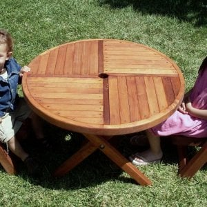 "Kid's Round Folding Table (Options: 33"" Diameter, Mature Redwood, 2 Folding Chairs, Umbrella Hole & Plug, Standard Tabletop, Transparent Premium Sealant)."