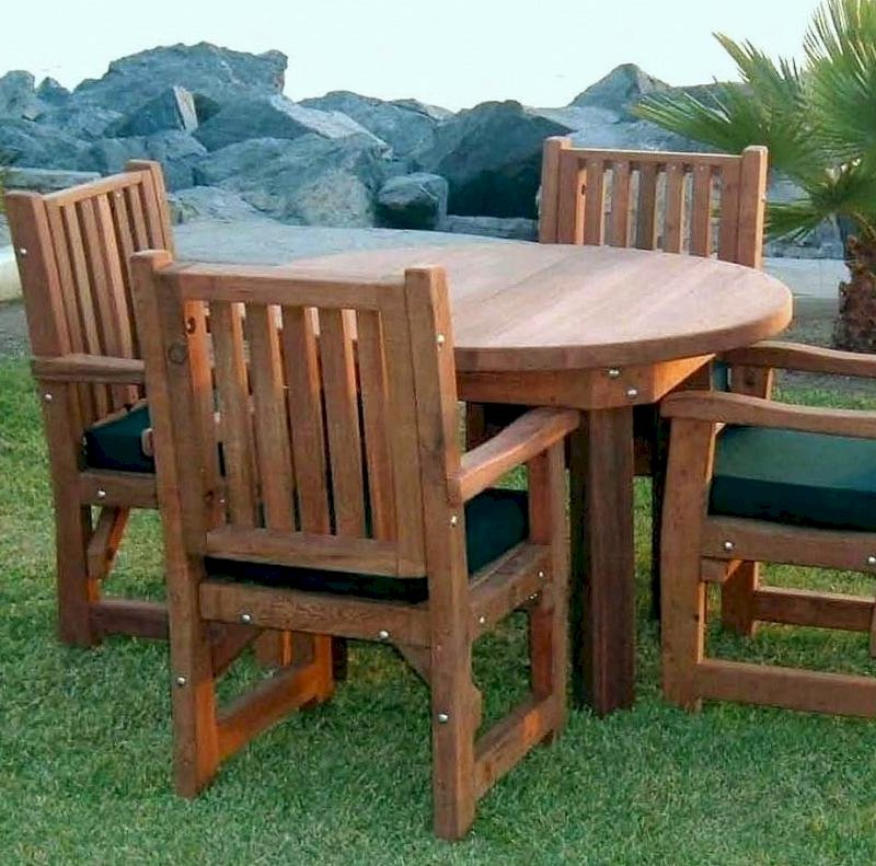 Round Patio Table (Options: 4', 4 Chairs, Redwood, Ruth Chairs, Seat Cushions, Armchairs only, Seamless tabletop, No Lazy Susan, No Umbrella Hole, Transparent Premium Sealant).