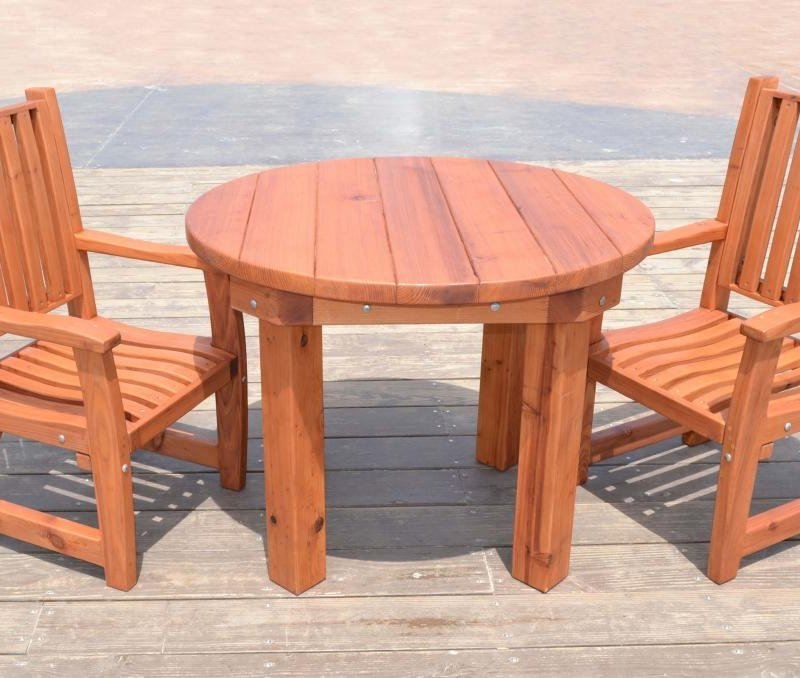 Round Patio Table (Options: 3.5 ft, 2 Chairs, Mature Redwood, Ruth Chair Style, No Cushion, Arm Chairs Only,  Standard Tabletop, No Lazy Susan, No Umbrella Hole, Transparent Premium Sealant).