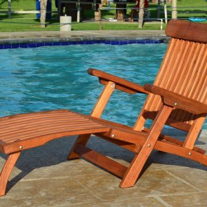 Steamer Chaise Lounger (Options: Honeymoon, Mature Redwood,  No Cushion, No Wheels, Transparent Premium Sealant).