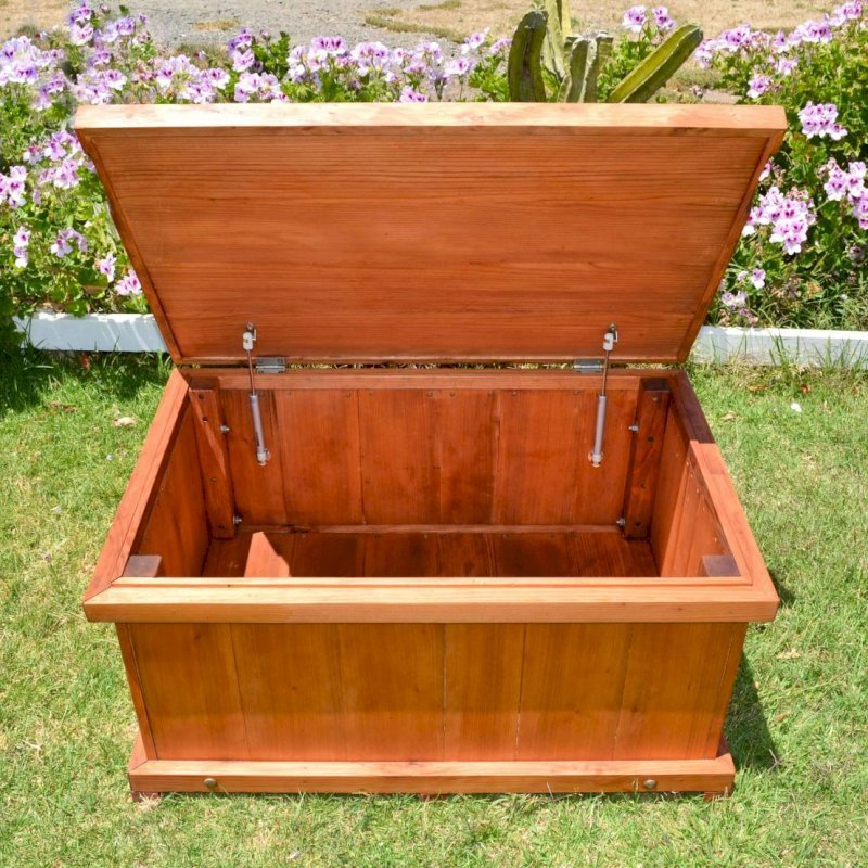 Traditional Storage Bench (Options: 36 L x 24 W x 17 H inches, Mature Redwood, Single Flap, Add pistons, No Engraving, Transparent Premium Sealant).