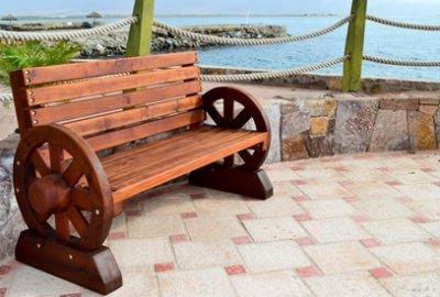Wagon Wheel Wooden Bench