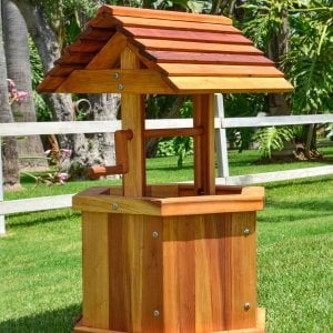 "Wishing Well (Options: Kid's 22"", Redwood, Transparent Premium Sealant)."