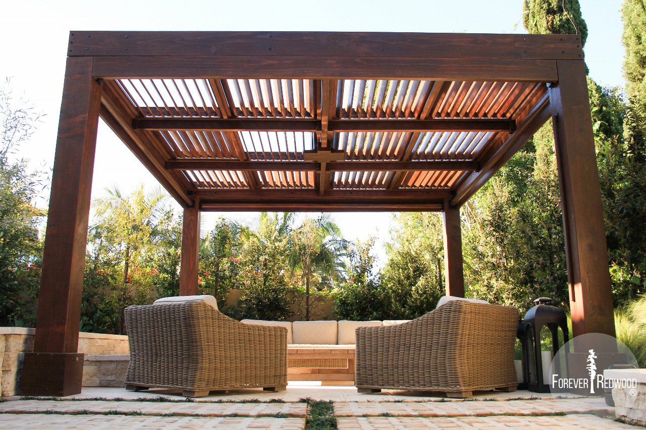 Superbe Modern Louvered Garden Pergola