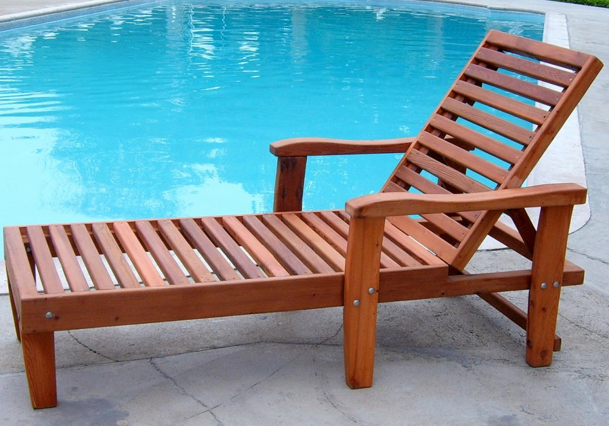 100% Solid-Wood Pool Lounger Made from Redwood